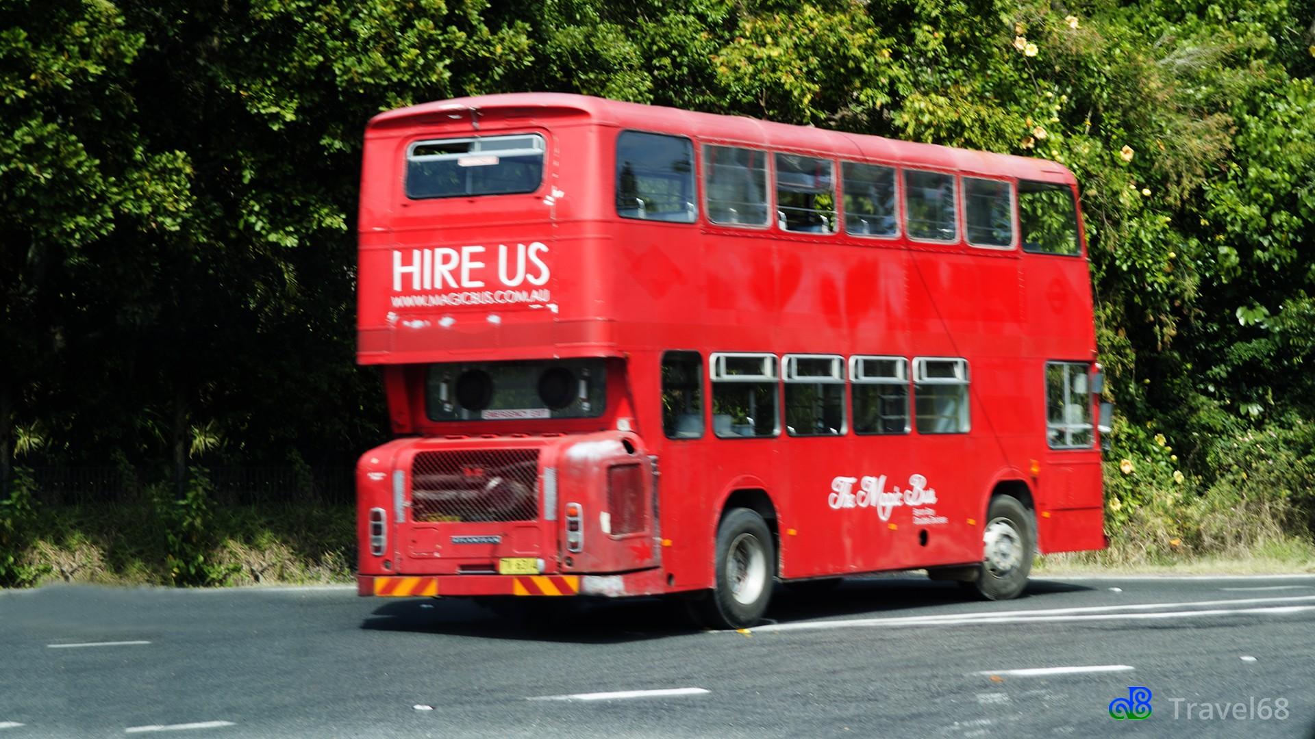 Op weg naar Brunswick Heads kwamen we deze dubbeldekker bus tegen.