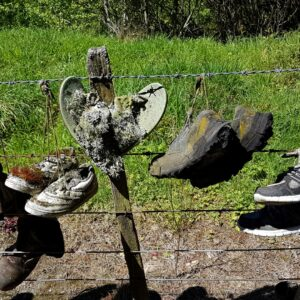 Aan de schoenen te zien hagen ze hier al een tijdje