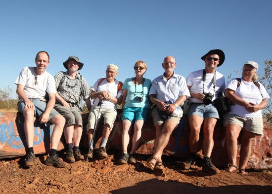 Mount Nameless: vlnr Rolf, Peter, Frans, Jo, Stef, Alwin en Michelle op de top