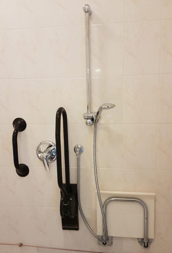 Handvat als je onder de douche staat