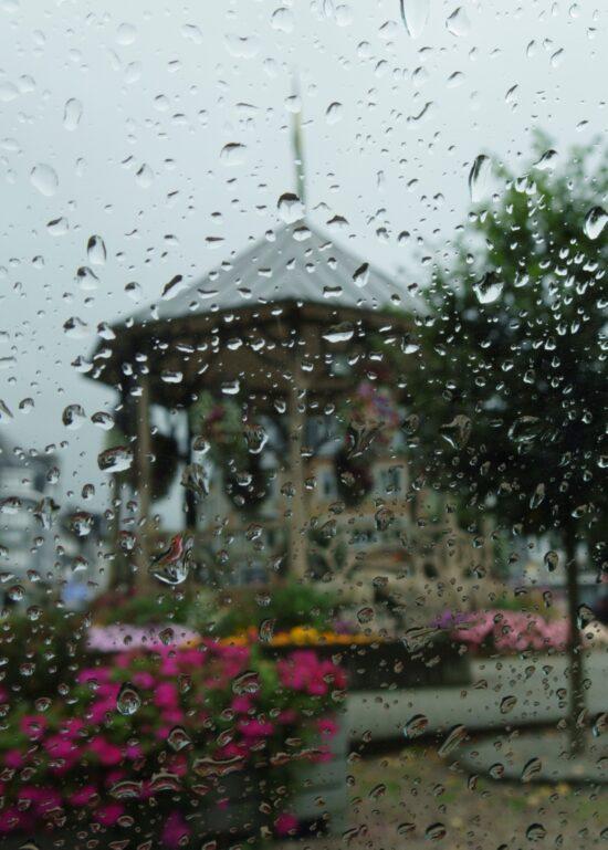 Het regent