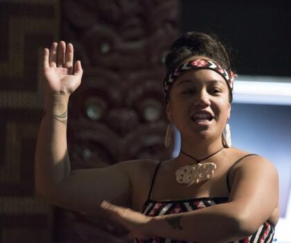 Maori danseres