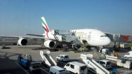 Ons vliegtuig wordt voorzien van catering (dubbel)