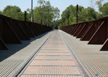 De oude spoorbrug